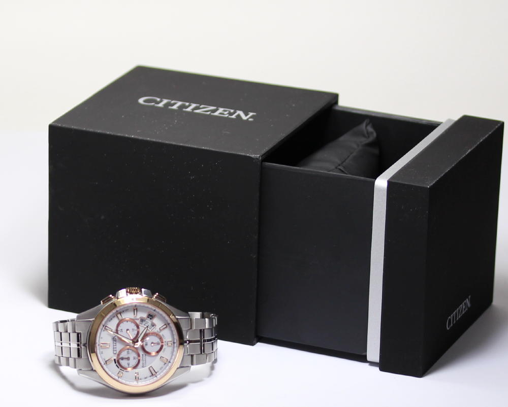 With citizen ecodrive solar electric wave H610-S079675 titanium men watch inner box