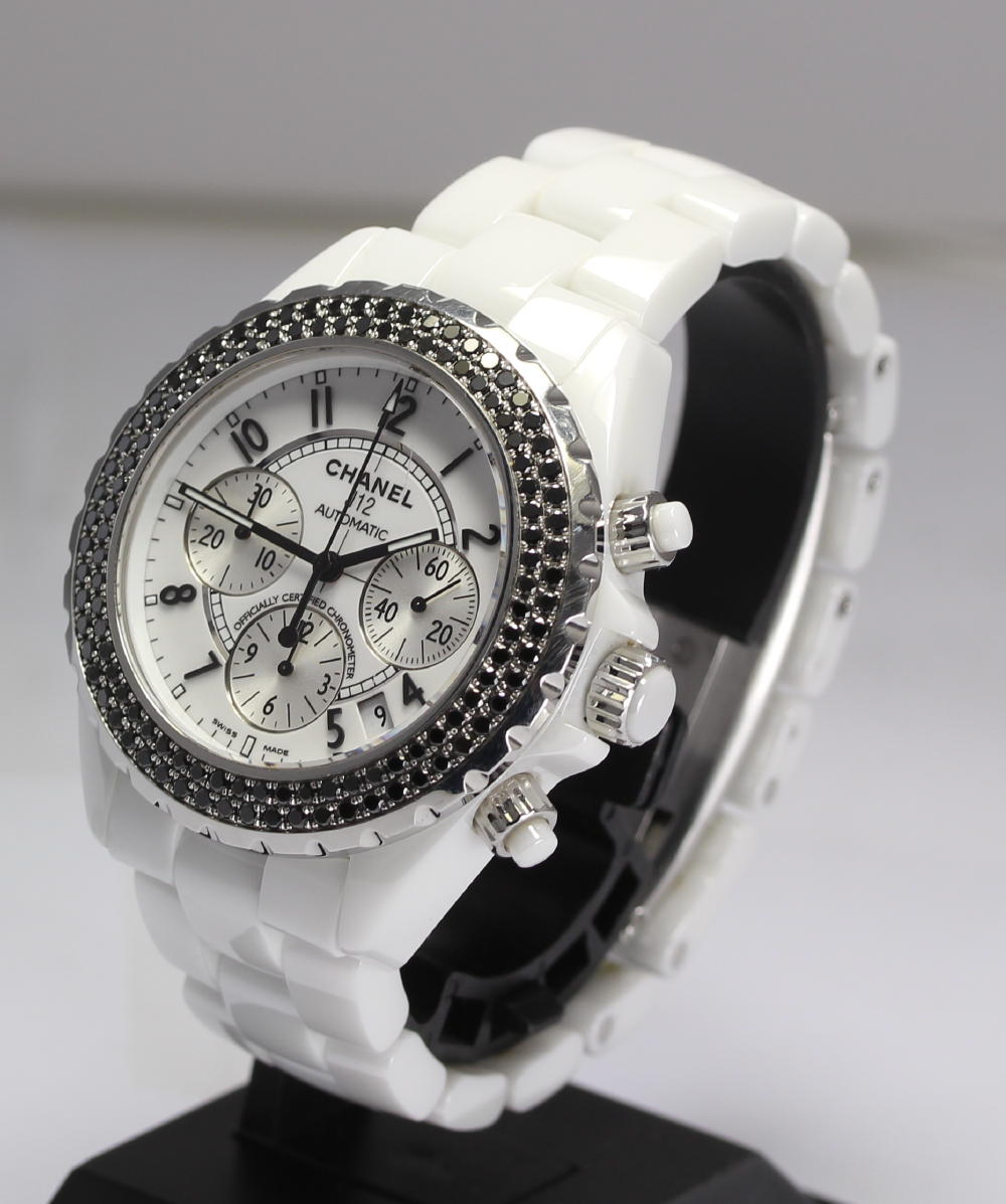 Chanel J12 white ceraH1664 chronograph pure black diamond bezel arm circumference approximately 17 centimeters correspondence self-winding watch men watch