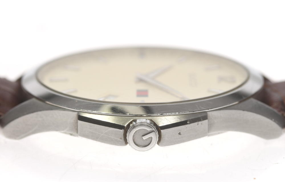 ff9c7adcc3a Gucci G thymeless 126.3 men s date quartz outside a company building leather  belt with the genuine buckle☆