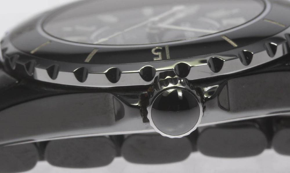 2f6f96869f94 訳あり品【CHANEL】シャネル J12 黒セラミック H0685 デイト メンズ 自動巻き 腕時計の紹介です! この機会に是非ご検討ください。