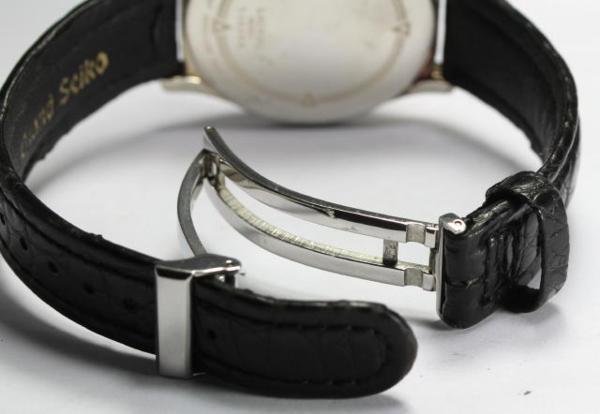 세이코 로렐 4 S24-0040 법랑 문자판은번뇌에서 벗어나 깨끗함 손으로 말기 맨즈
