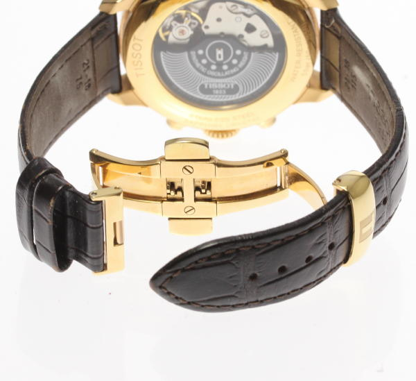 e7aefd1284a ご覧いただきありがとうございます!  TISSOT ティソ T-クラシック T099427A クロノグラフ 自動巻き メンズ腕時計のご紹介です☆  この機会に是非ご検討ください。