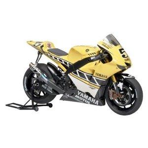 1/12 オートバイ No.104 1/12 ヤマハ YZR-M1 50th アニバーサリー USインターカラーエディション 14104 タミヤ