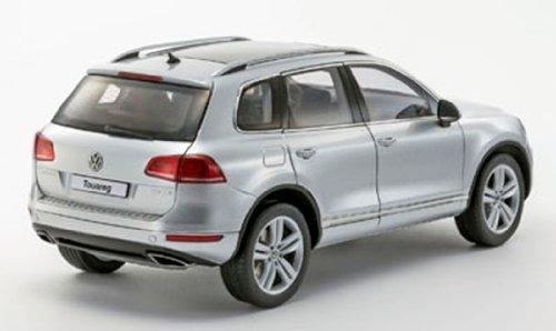 京商オリジナル 1/18 Volkswagen Touareg 2010 TSI (クールシルバーメタリック)