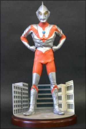 大怪獣シリーズ(R)リアルマスター・コレクション「光の巨人・ウルトラマン」 X-PLUS