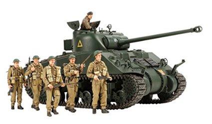 スケール限定シリーズ 1/35 イギリス戦車 シャーマン VC ファイアフライ (人形6体つき) 25174 タミヤ