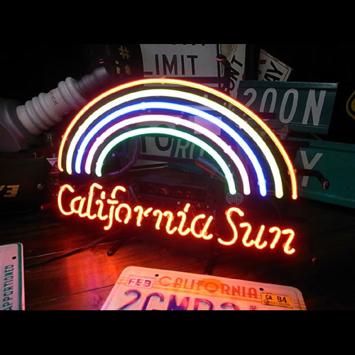 ネオンサイン 「CALIFORNIA SUN カリフォルニア サン」 西海岸インテリア ガレージング ネオン管 ネオン管 照明 店舗装飾 インテリア ガレージング アメリカ雑貨 アメリカン雑貨