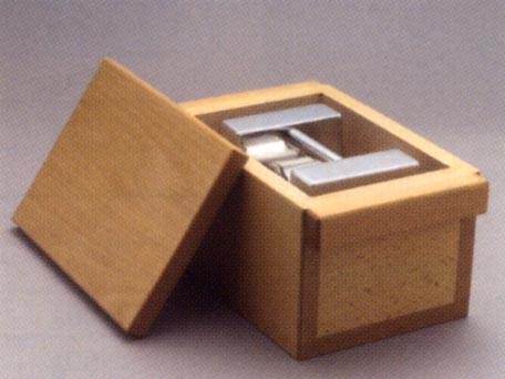 【送料無料】新光電子 枕型分銅単品ケース(木製) 1kg RC-1K