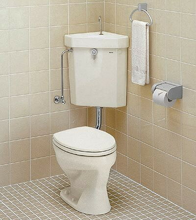 【C21N ほか 写真の紙巻器とタオル掛けはついておりません】 TOTO 隅付形便器 手洗付き