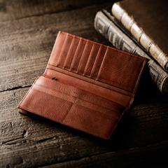 【60代男性】父の日に長財布をギフト!診察券・カードが沢山入るおしゃれなおすすめは?