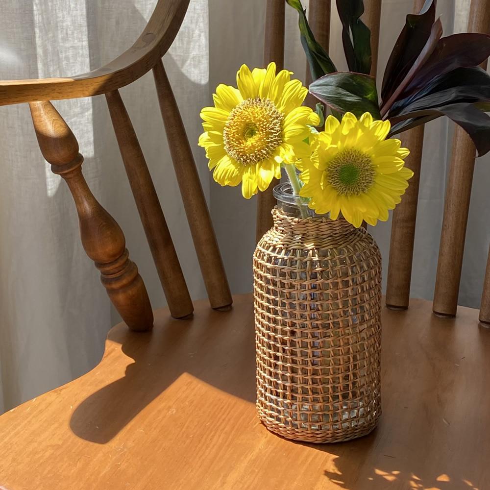 ストロー 一輪挿し 花びん ドライフラワー 送料無料 ストロー編みフラワーベース デポー ガラスをストロー素材で編み上げた 異素材の組み合わせがおしゃれな花瓶 花瓶 ガラス インテリア フォトジェニック ドライ 北欧 2020 新作 生花 おしゃれ ディスプレイ