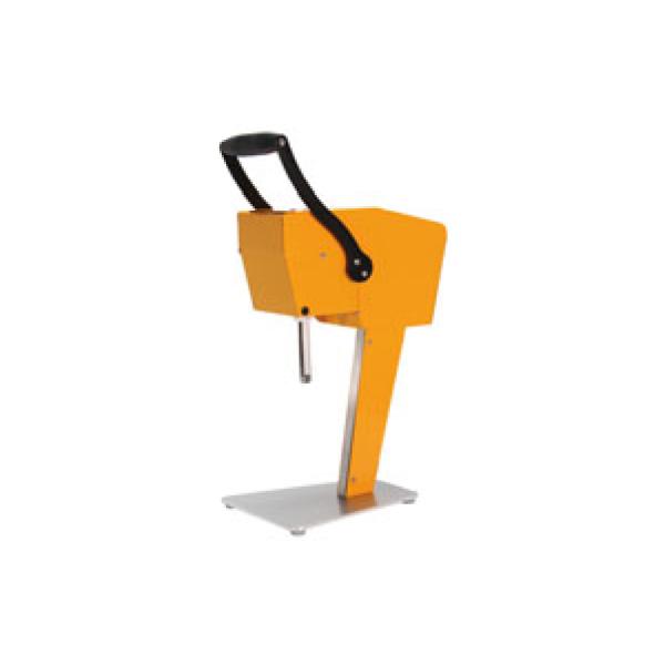 カジュッタ:果汁搾り機 カジュッタ CJT3-04 オレンジ 0552200