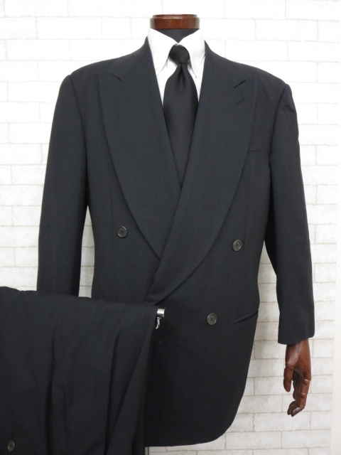 【ジョルジオアルマーニ GIORGIO ARMANI】 最高級 黒ラベル ストライプ柄 ダブル スーツ (メンズ) チャコールグレー size46 ◇MS2335◇ 【中古】