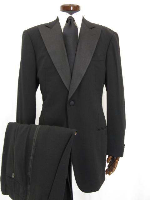 超美品 【ジョルジオアルマーニ クラシコ】 シングル1つボタン タキシード スーツ (メンズ) ピークドラペル size50 黒 ブラック ●3MS4246【中古】