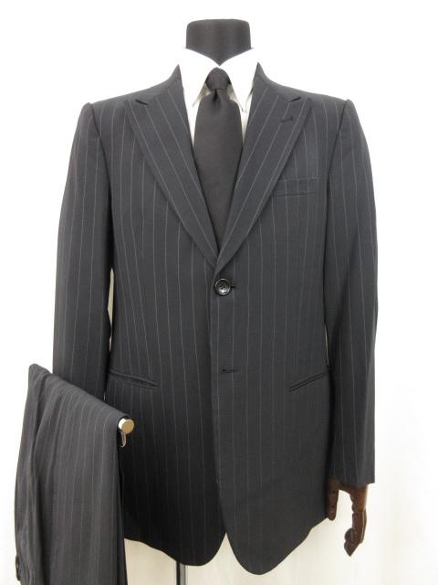 ジョルジオアルマーニ 最高級黒ラベル ストライプ柄 シングル2ボタン スーツ メンズ ネイビー系 新品 イタリア製 公式通販 size52 16MS8608 中古