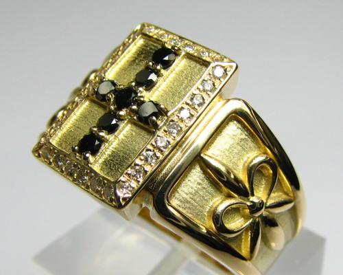 K18メンズデザインリング・クロス・ブラックダイヤ・ダイヤモンド・指輪・十字架・送料無料・品質保証書付