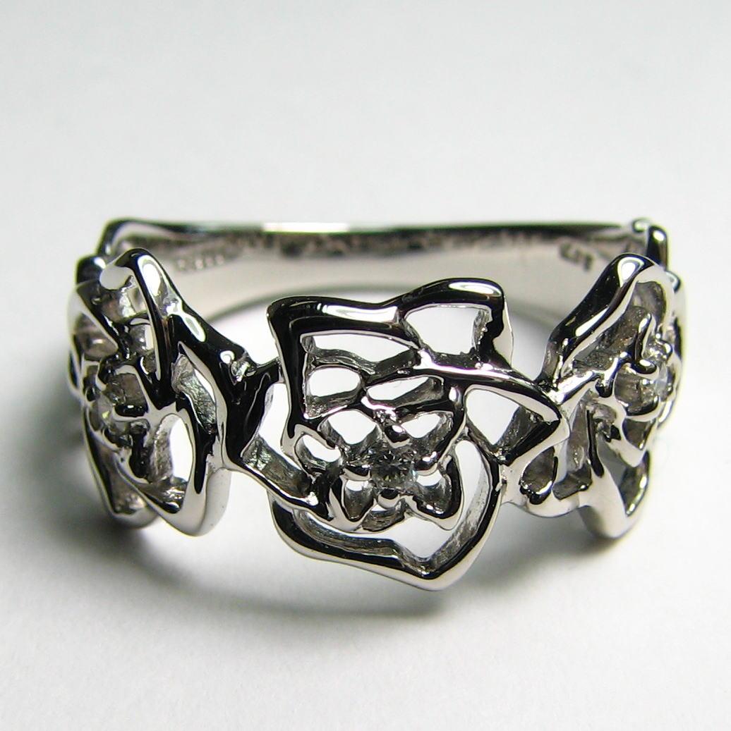 繊細な薔薇ダイヤモンドリング K18PG・WG・YG 送料無料 品質保証書付