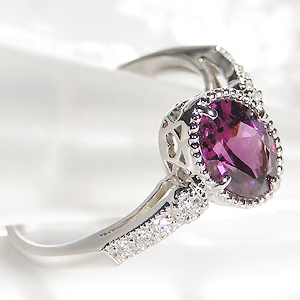 Pt900 ロードライトガーネットリング 送料無料 アンティーク 可愛い ジュエリー人気 指輪 カラーストーン 1月誕生石34j5RAL
