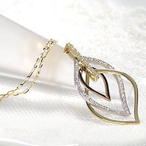 K18YG/PG/Pt900【0.25ct】【H-SIクラス】スリーカラー ダイヤモンド ネックレス【無色透明】【送料無料】ダイヤネックレス ゴールド 可愛い ジュエリー 揺れるネックレス ダイヤモンド ペンダント 4月誕生石 プレゼント ダイヤ ダイア ホワイトデー 品質保証書