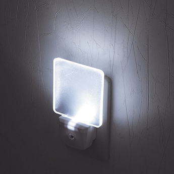 LEDナイトランプ 光センサー付コンセントタイプ