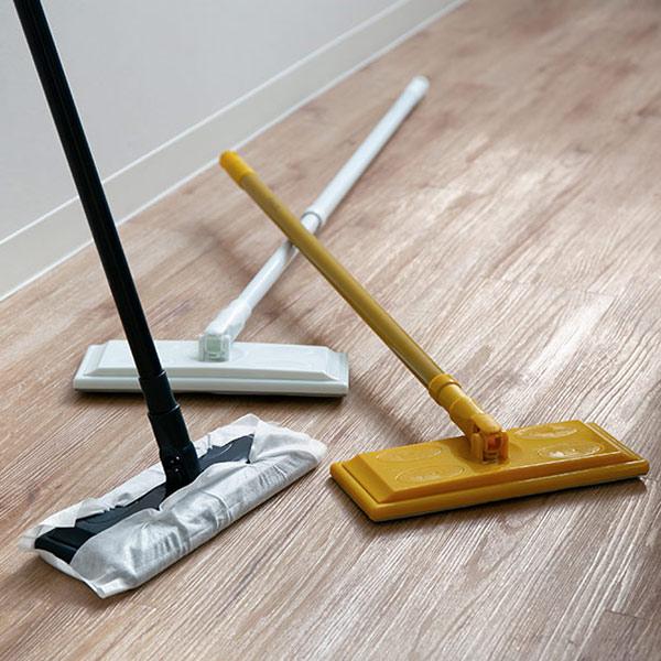お掃除もお気に入りアイテムでおしゃれに 床掃除 フローリングワイパー 本体 プリート Plito メーカー直送 フロアワイパー 掃除用品 床 モップ フローリング フロア 3980円以上送料無料 階段 すき間 タイムセール ホコリ 廊下 床清掃 拭き掃除 板の間 キッチン リビング
