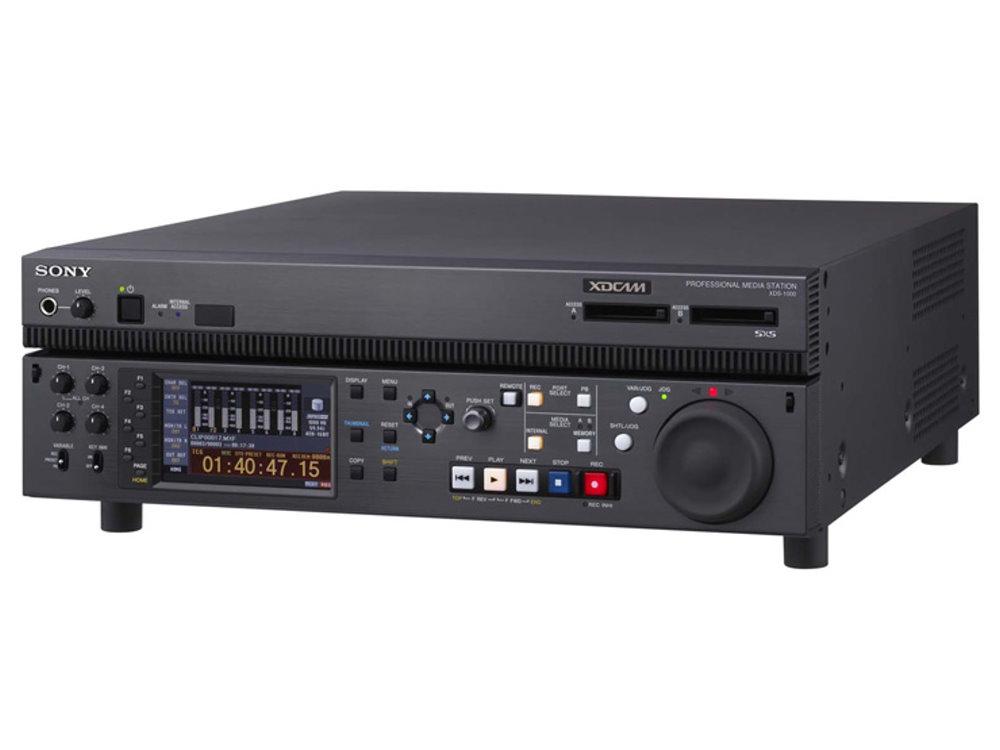 XDCAM プロフェッショナルメディアステーション SONY XDS-1000 内蔵HDDを搭載し、多彩なマルチタスクオペレーションを実現するXDCAMプロフェッショナルメディアステーション「XDCAM Station」