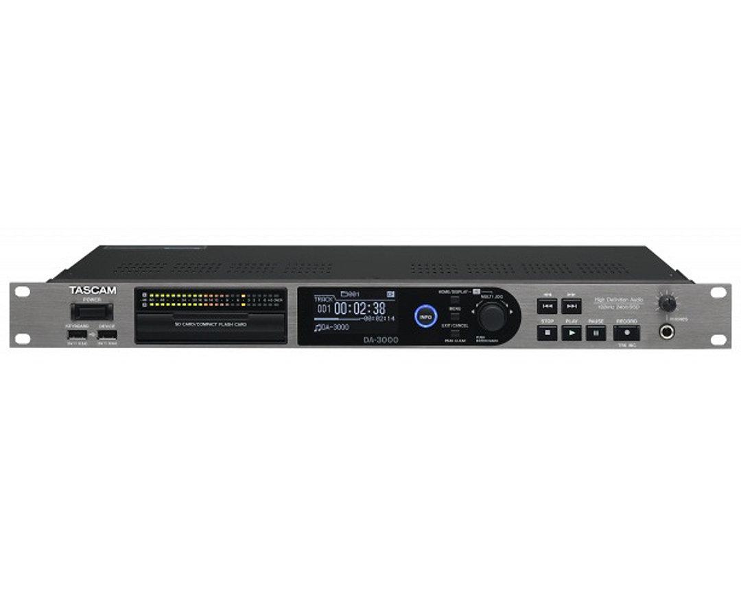 TASCAM DA-3000 ハイサンプリング録音に対応した高音質のマスターレコーダーとDAコンバーターが融合。レコーディングエンジニア必携の業務用マスターレコーダー/ADDAコンバーター。