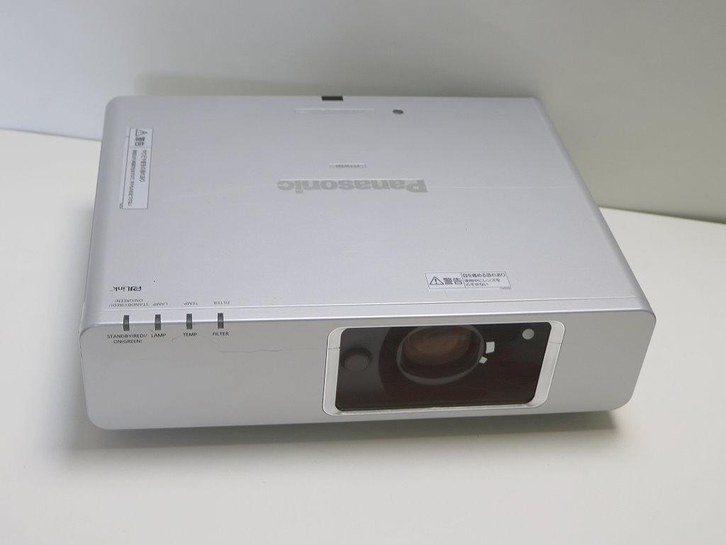 業務用液晶プロジェクター PANASONIC PT-FW300 WXGA(1280x800画素) 明るさ3500ルーメン レンズシフト他多機能、高耐久モデル