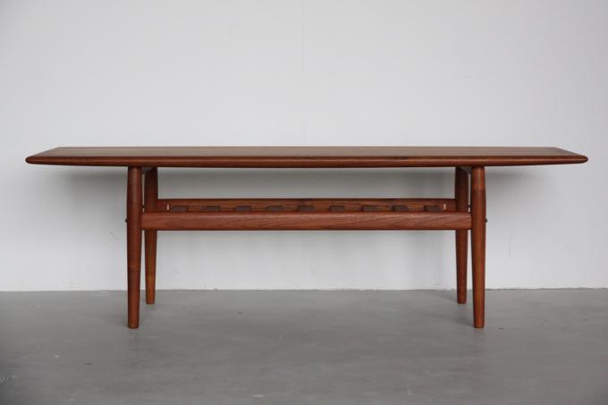 【北欧家具】Grete Jalk デザイン コーヒーテーブル【中古】