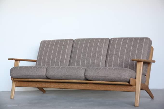 【北欧家具】Hans J. Wegnerデザイン GE290-3 オーク材 (Danish Art Weaving生地)【中古】