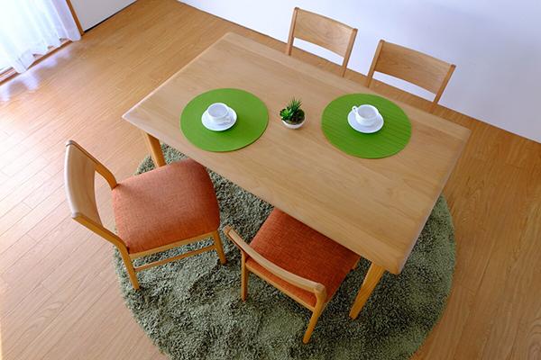 送料無料 ダイニングチェア 単品 1脚 ナチュラル+オレンジ アルダー無垢材 木製 天然木 食卓椅子 イス 椅子 チェア ダイニングチェアー 食卓チェア コンパクト おしゃれ デザイン モダン 北欧 スタイリッシュ 高級感