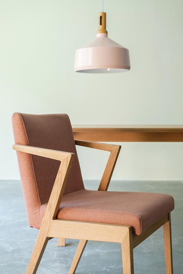 送料無料 ダイニングチェア 単品 オーク材 ナチュラルブラウン 食卓椅子 イス 椅子 チェア ダイニングチェアー 食卓チェア 完成品 おしゃれ モダン 北欧 スタイリッシュ 高級感