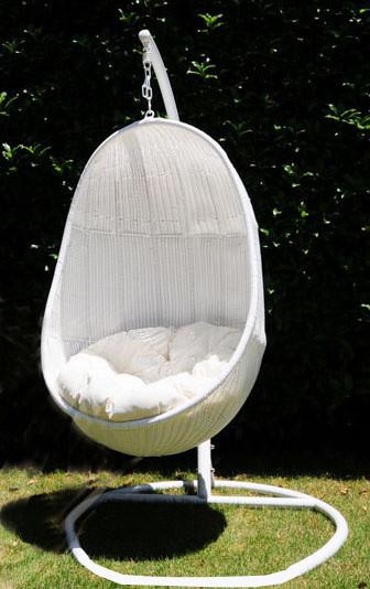 送料無料 ハンギングチェアー ラタン家具 ハンギングチェア 楕円型 たまご型 真っ白 ホワイト 吊り椅子 1人掛け 椅子 イス チェアー リゾート スイングチェア リラックスチェア ゆりかご おしゃれ