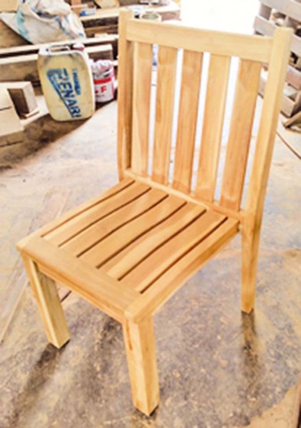 アームレススタッキングチェア 木製 チーク ガーデンチェアー 1人掛け いす 椅子 ひとりがけ チェア テラス カフェ おしゃれ モダン レトロ 高級感