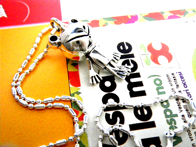 ■ クタクタカエル is healed! ■ フロッグムービング pendant カエルグッズ accessory power stone silver pendant necklace カエルモン frog je animal frog animal healing of 10P02jun13