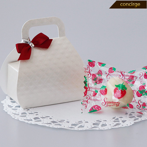 Petit gift SWEET BAG (with one freeze dry strawberry chocolate) ※The  wedding cake child who shows cute deep-discount wedding ceremony petit gift