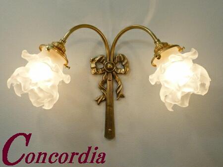 【ブラケットライト 2灯 WF340/2+235/SAT】 真鍮 ガラスシェード アンティーク風 壁照明 ヨーロッパ おしゃれ 本格的 玄関 応接室 LED電球使用可