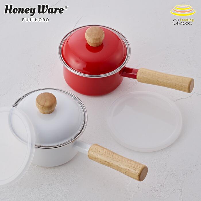 当店オリジナル商品。ポリ蓋付きで調理後は保存容器としても使えます。少量でエコ調理。ホーロー鍋は金属類の溶出もなく、衛生的なので離乳食作りにおすすめ。 富士ホーロー 片手鍋 ミニソースパン ポリフタ付 ホワイト/レッド 12cm 0.8L IH対応【ホーロー鍋/ミルクパン/フタ付き/琺瑯/ホーロー/調理器具/目盛り付き/離乳食/小鍋/小型/キッチン用品/白色/赤色/ミニ/一人暮らし/鍋/あす楽】