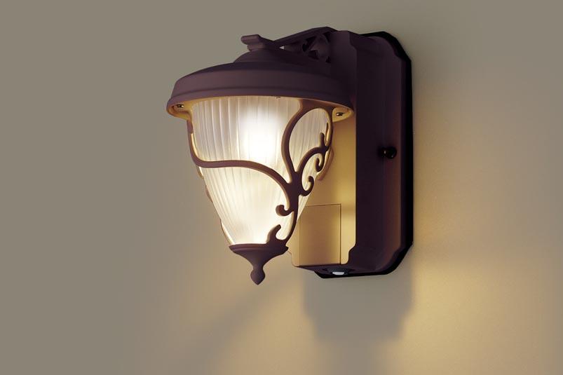 【最安値挑戦中!最大25倍】照明器具 パナソニック LGWC80240LE1 ポーチライト 壁直付型 LED 電球色 60形電球1灯相当・密閉型 防雨型・FreePaお出迎え