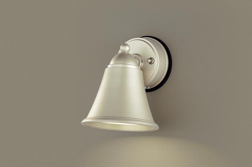 【最安値挑戦中!最大25倍】パナソニック LGWJ85055YZ 表札灯 壁直付型 LED(電球色) 防雨型 明るさセンサ付 パネル付型 プラチナメタリック