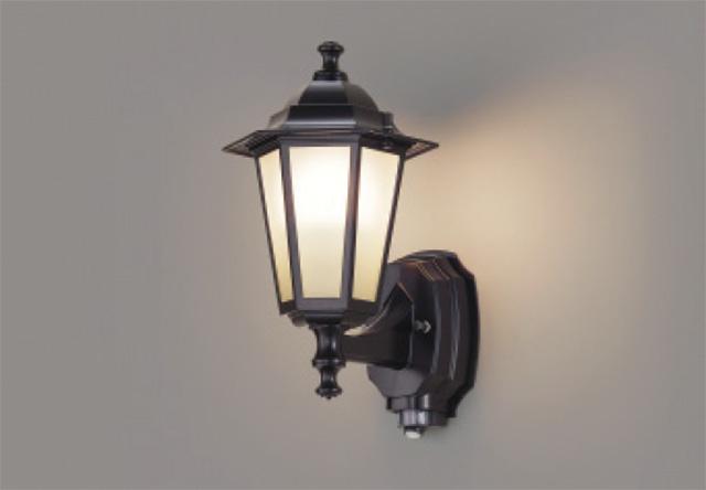 【最安値挑戦中!最大25倍】東芝ライテック LEDB88940Y(K) アウトドア ポーチ灯 LED電球(指定ランプ) ON/OFFセンサー ブラック ランプ別売