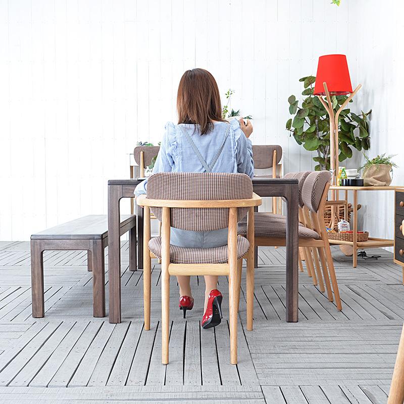 ★送料無料 【イース】ダイニングアームチェア 91025 チェアー 椅子 イス チェア 肘付き 木製 完成品 北欧 モダン レトロ おしゃれ 人気 シンプル 肘掛付き チェック柄 ブラウン 格子柄 1脚単体販売