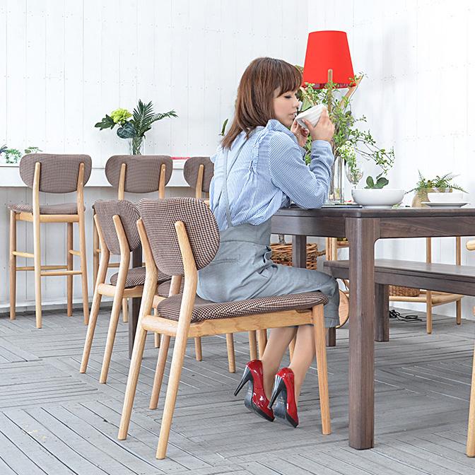 ★送料無料 【イース】ダイニングチェア 91024 チェアー 椅子 イス チェア 肘無し 木製 完成品 北欧 モダン レトロ おしゃれ 人気 シンプル 肘掛無し チェック柄 ブラウン 格子柄 1脚単体販売