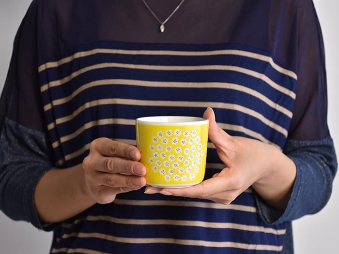 日本有限的颜色经常进口新 marimekko Marimekko PUKETTI 帕克特晚 Mag 灰色米色 Marimekko 咖啡的杯子杯 1 个。