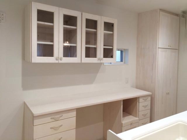 アウロ社 ホワイト薄塗り フレンチ キッチンカウンター
