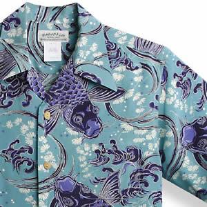 アロハシャツ・マカナレイ(MAKANA LEI) AMT-039跳鯉・サックス メンズ シルクちりめん 薄手生地 半袖 アロハタワー(アロハシャツ販売) MAKANALEI