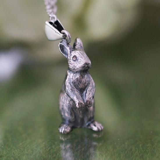 銀工房AramaRoots(アラマルーツ)立ちうさぎペンダント シルバー [AP80] アクセサリー作家・加藤心姿さんの手作りアクセサリー・ハンドメイドジュエリー シルバー925 silver 大人かわいい 日本製 国産