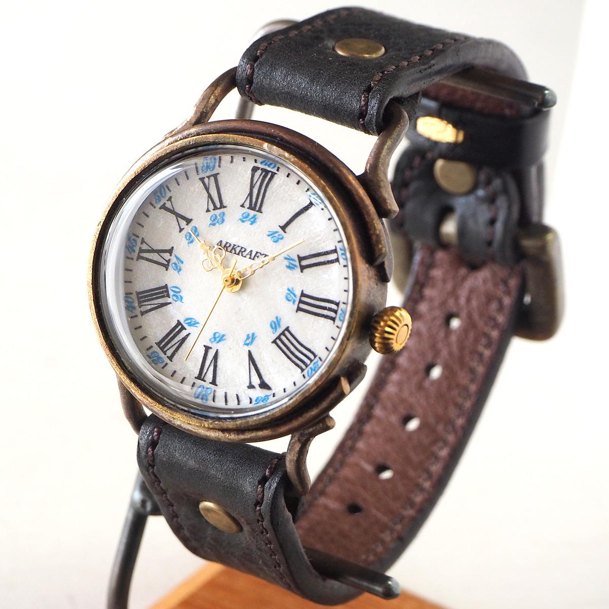 """【あす楽】ARKRAFT(アークラフト)手作り腕時計""""Drake Large"""" ホワイトシェル文字盤 ブルードット プレミアムストラップ レブロン ブラック [AR-C-019-WH-BLREV-BLACK] ハンドメイドウォッチ 手作り 本革ベルト ホワイト クオーツ アナログ 日本製 国産"""