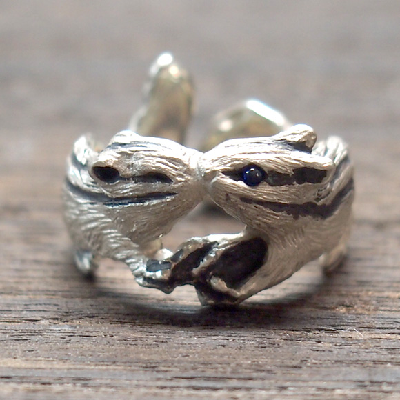 DECOvienya(デコヴィーニャ) 手作りアクセサリー キスリスリング シルバー [DE-031S] ハンドメイドアクセサリー ジュエリー 動物 アニマル フィギュア 指輪 個性的 可愛い りす シマリス リアル レディース メンズ 日本製 国産