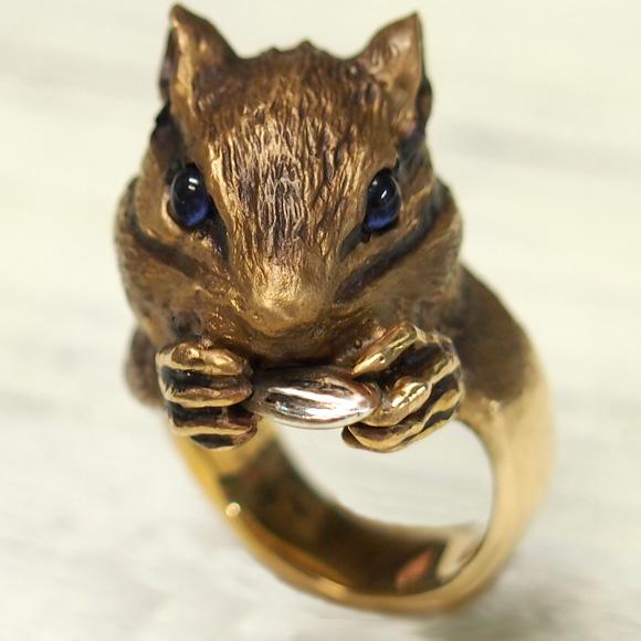 DECOvienya(デコヴィーニャ) 手作りアクセサリー 大きなシマリスリング ゴールド [DE-084G] ハンドメイドアクセサリー ジュエリー 動物 アニマル フィギュア 指輪 個性的 可愛い しまりす リアル レディース メンズ 日本製 国産